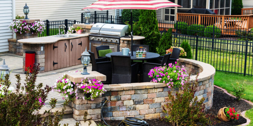 Enjoy your Omaha or Iowa outdoor living space wasp free